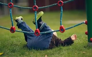 Если снится что ребенок падает с высоты сонник