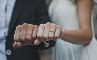 К чему снится кольцо на левой руке сонник