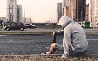 К чему снится пьяный человек знакомый сонник