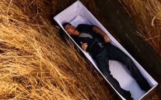 К чему снится оживший покойник в гробу сонник