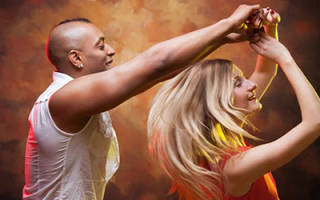 К чему снится танцевать сонник