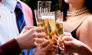 К чему снится пить шампанское во сне сонник