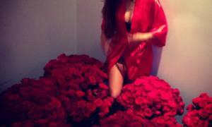 Во сне парень подарил цветы сонник